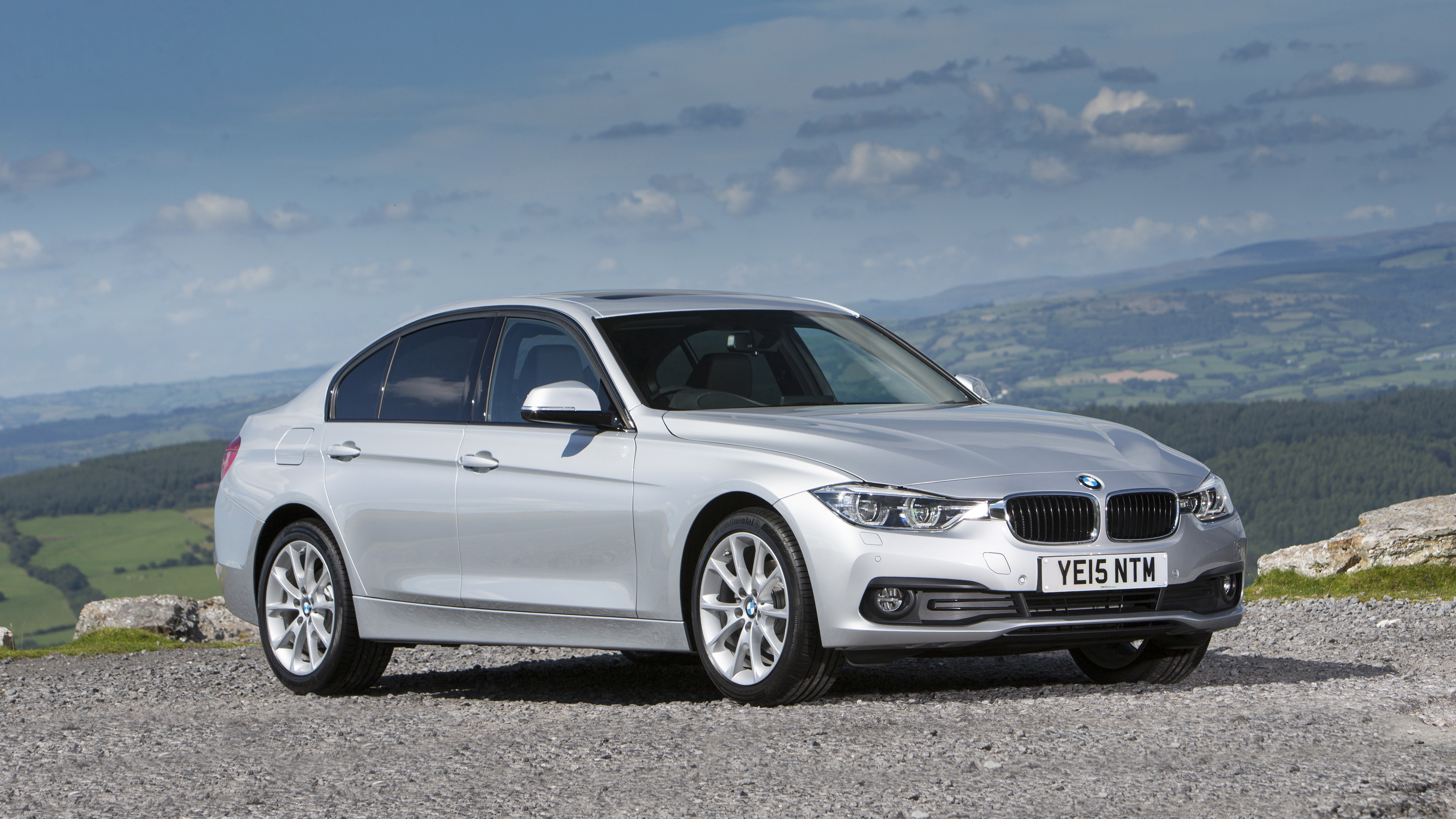 first drive the three cylinder bmw 318i saloon top gear. Black Bedroom Furniture Sets. Home Design Ideas