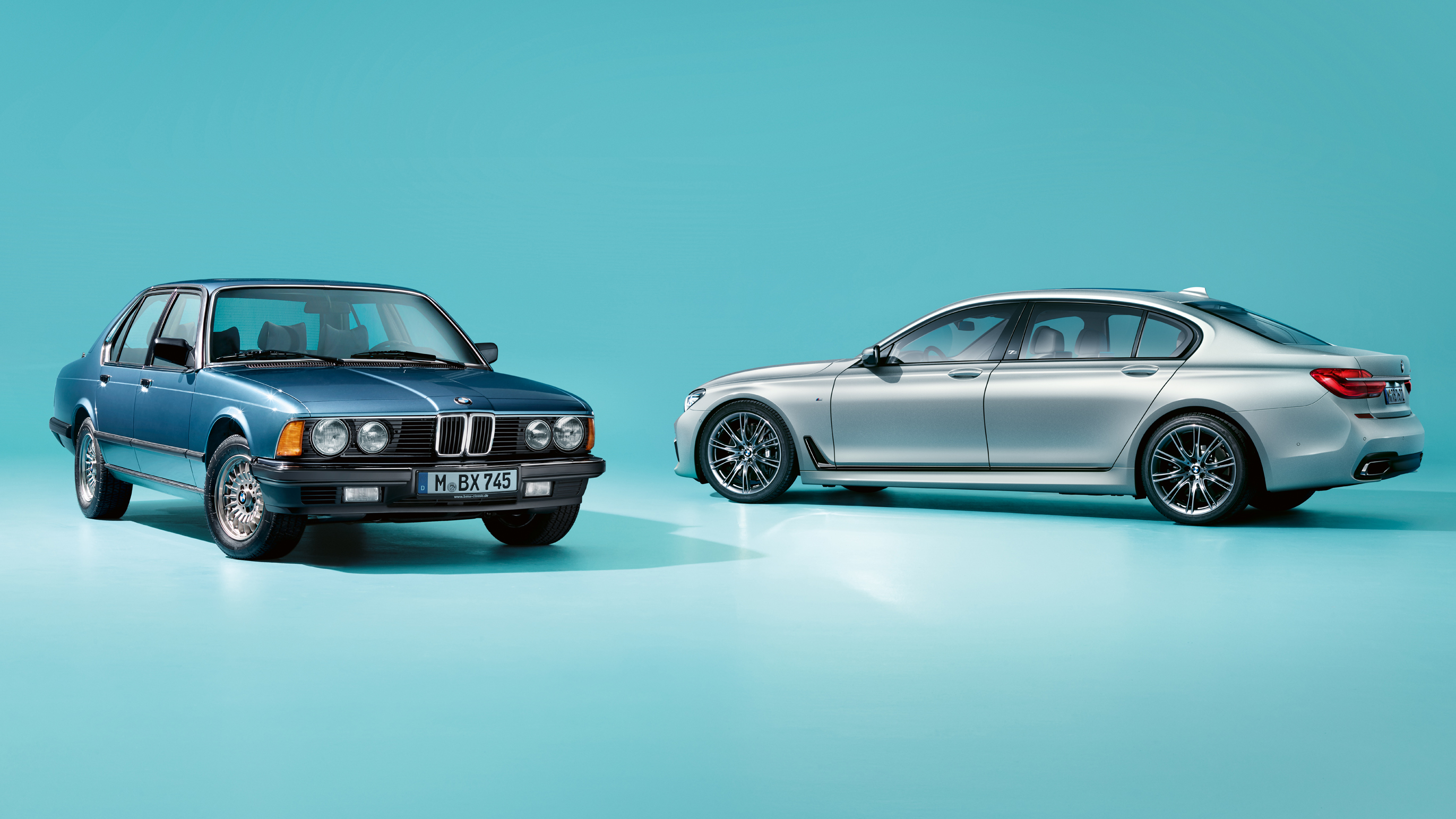 BMW 7 Series, old vs new photo