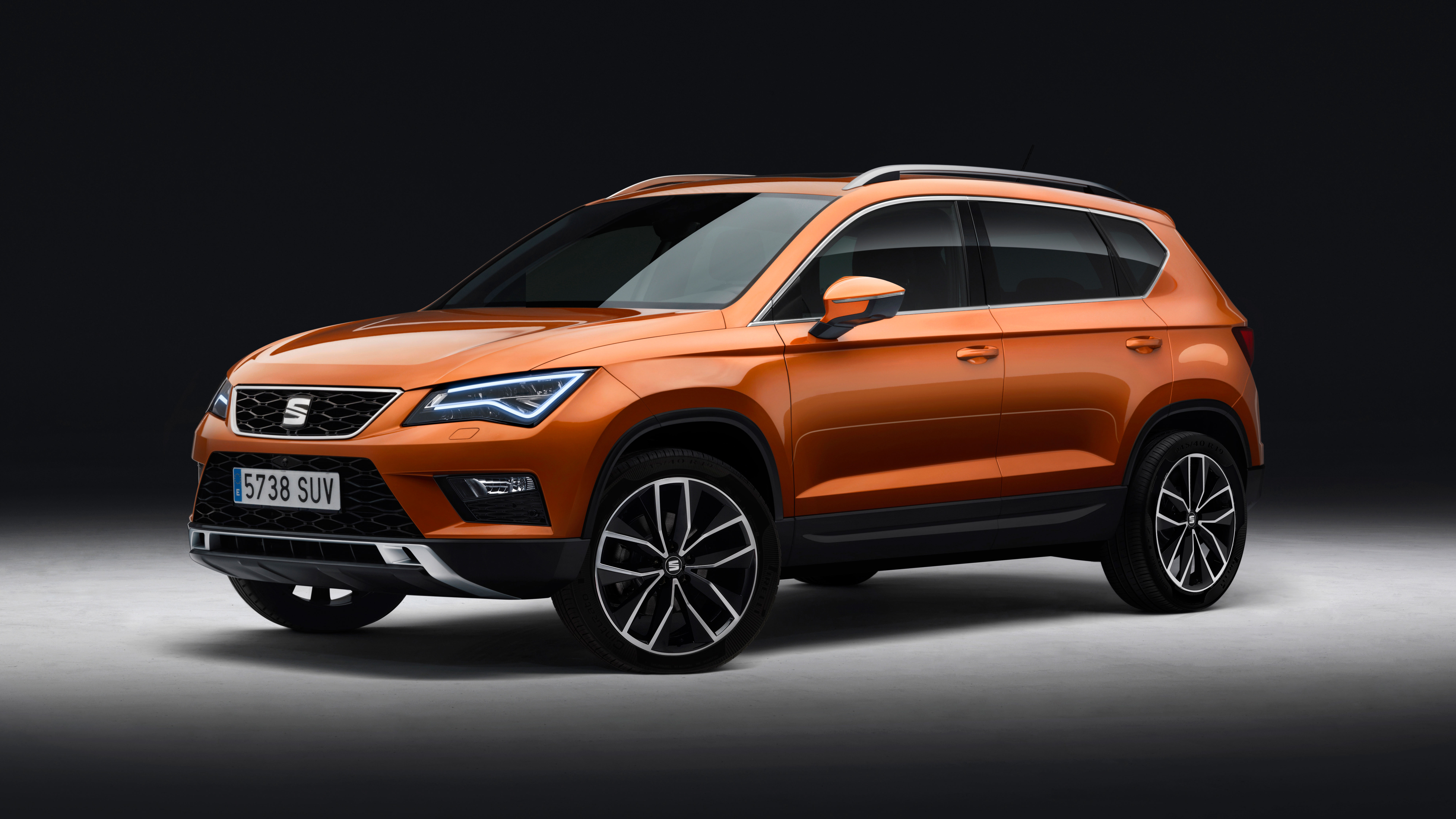 this is seat 39 s brand new ateca suv top gear. Black Bedroom Furniture Sets. Home Design Ideas