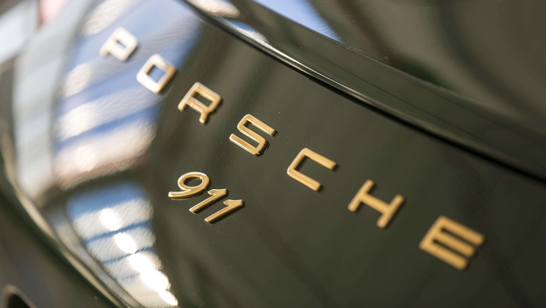 Porsche 911 one millionth badge