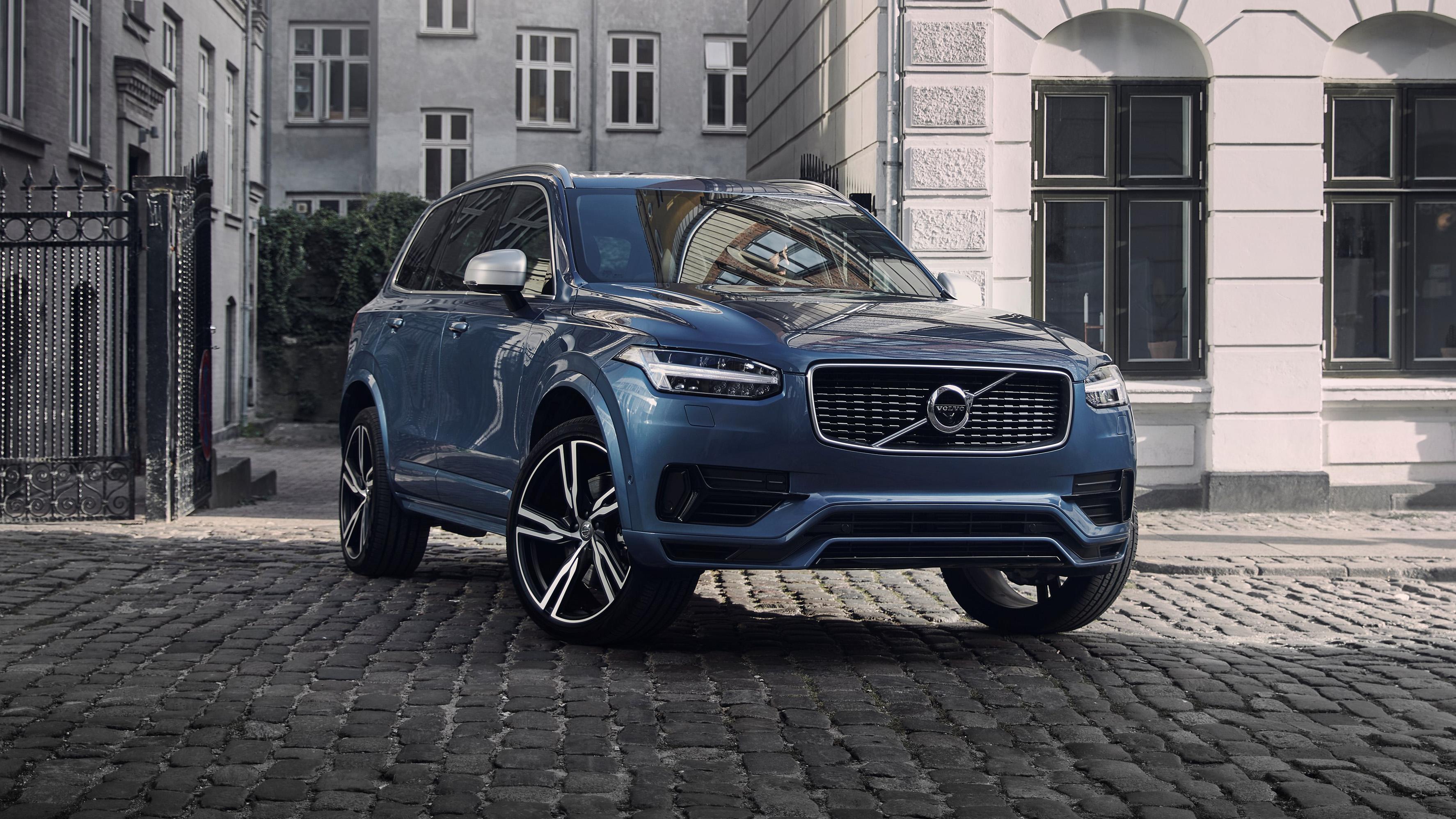 Volvo XC90 front