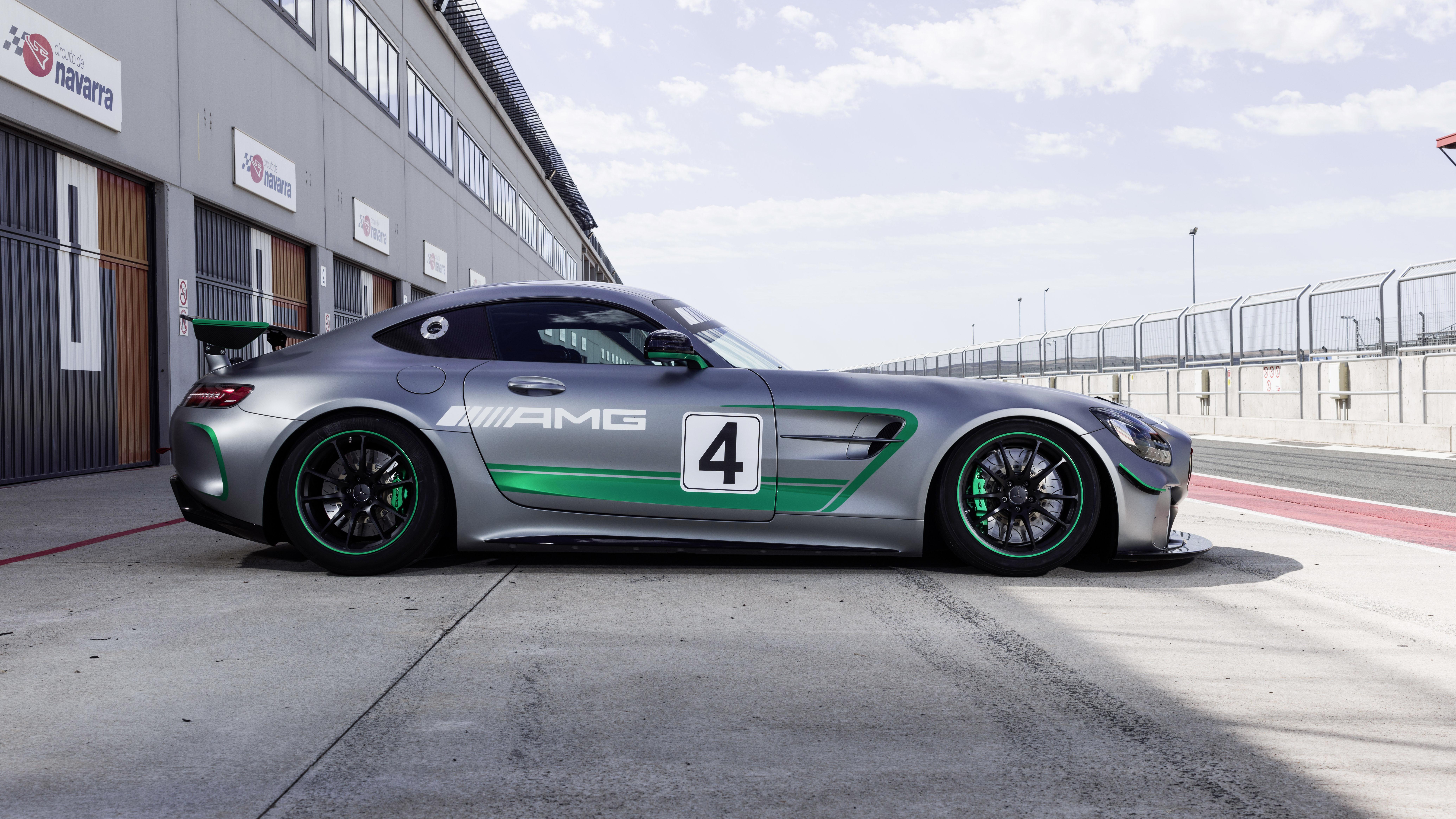 Mercedes-AMG GT4 side