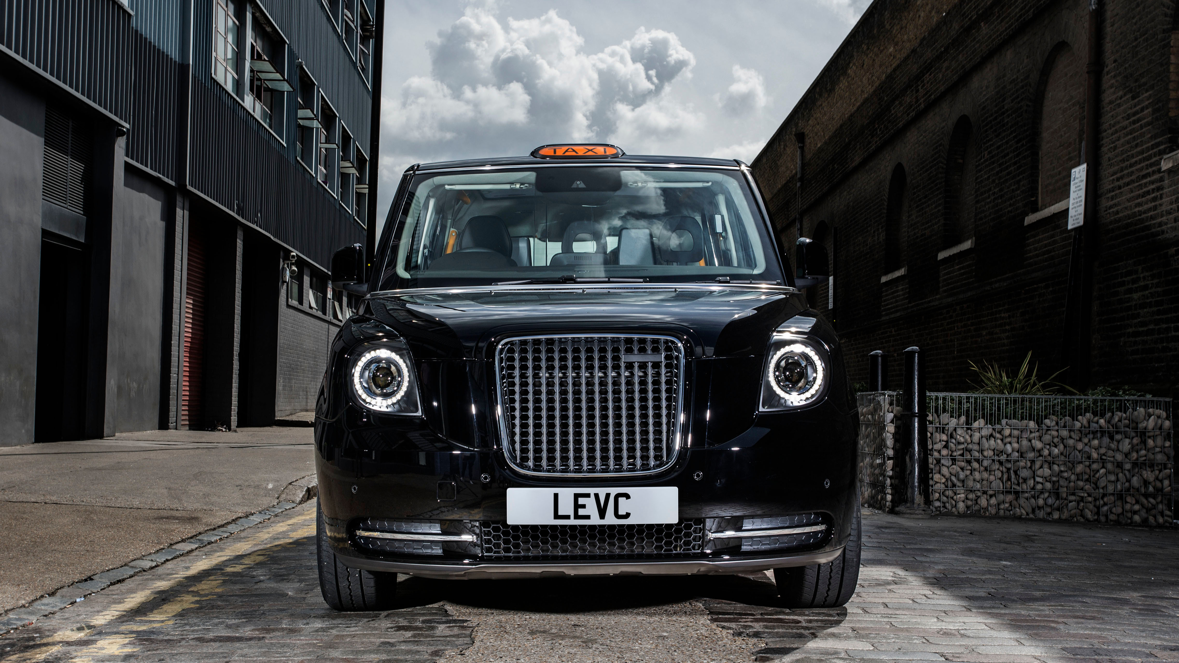 London Taxi new front