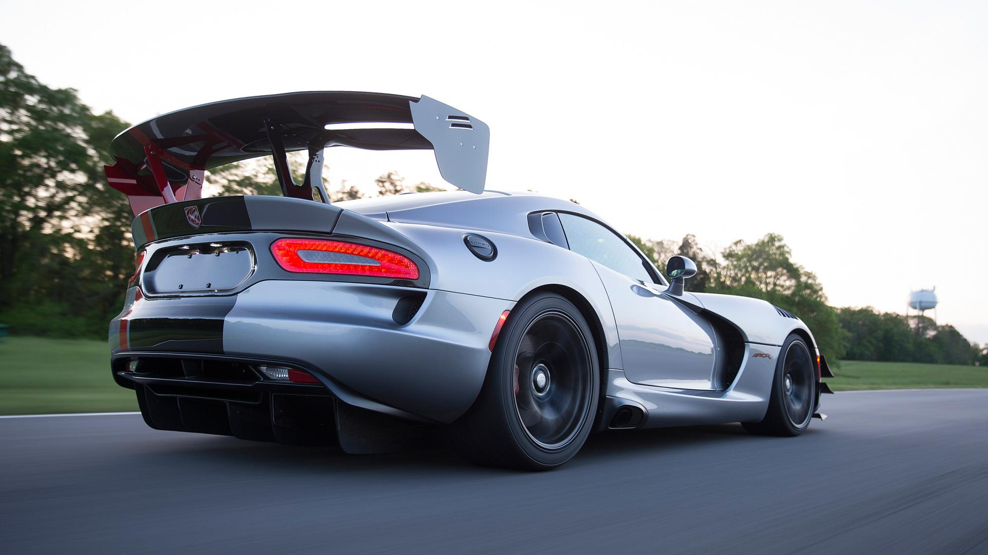Dodge Viper ACR rear quarter