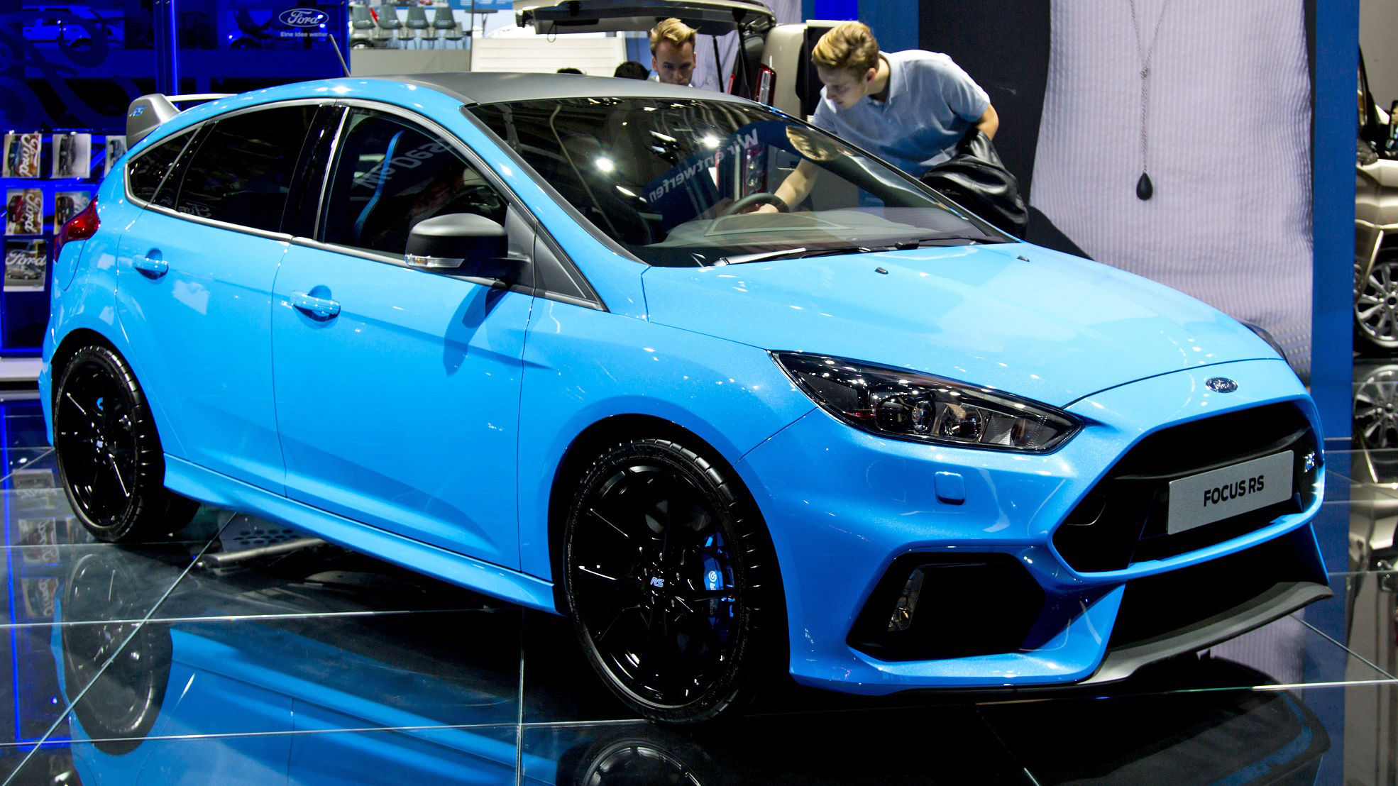 The new Ford Focus RS side
