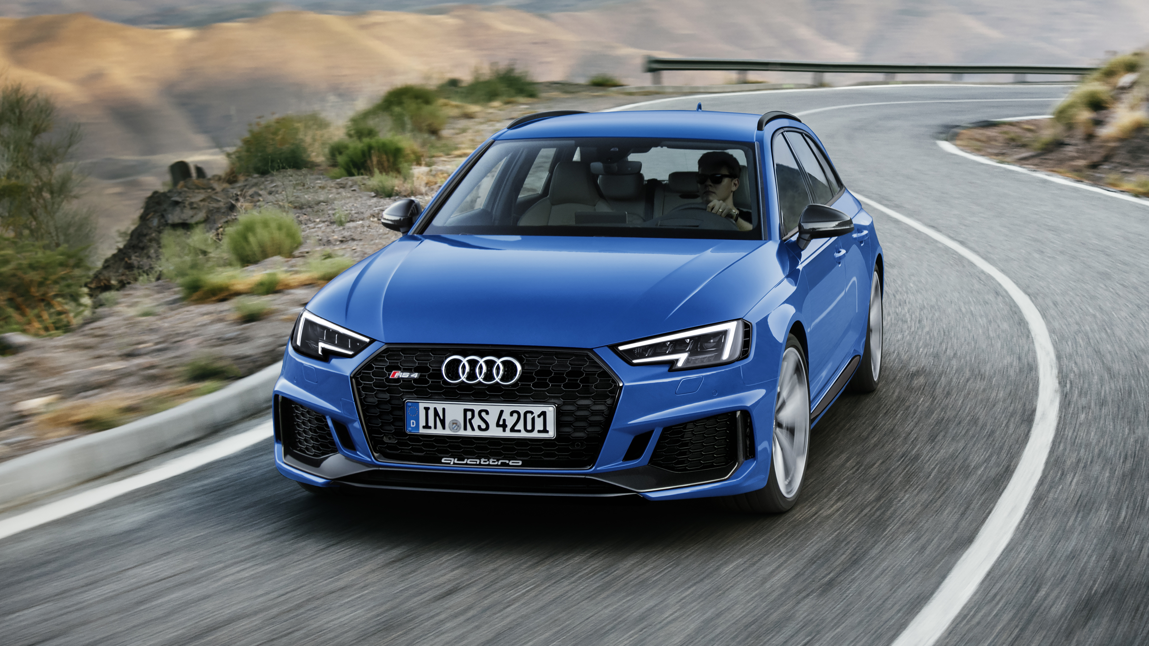 Audi RS4 front