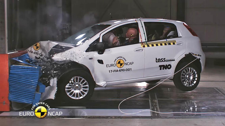 crash punto alle stelle la pace e per bmw della euro bocciata dalle italia fiat hyundai kia ncap jaguar f copertina com test news bene
