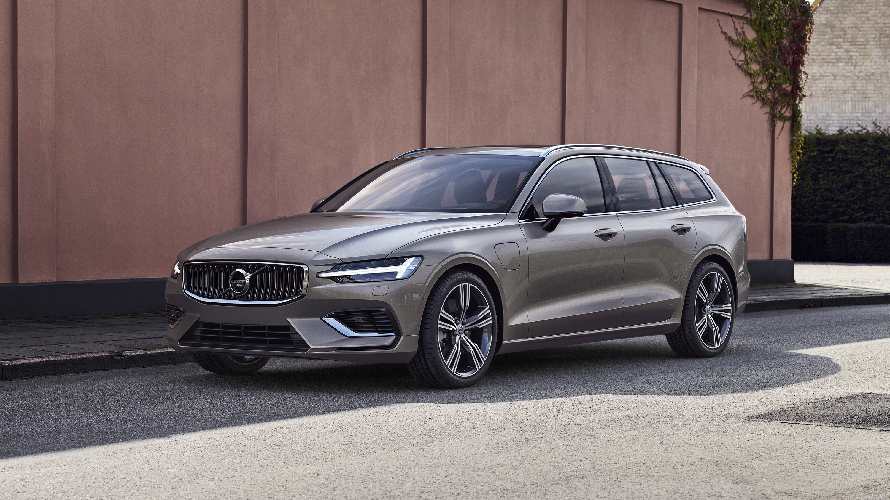 the new volvo v60 is here top gear. Black Bedroom Furniture Sets. Home Design Ideas