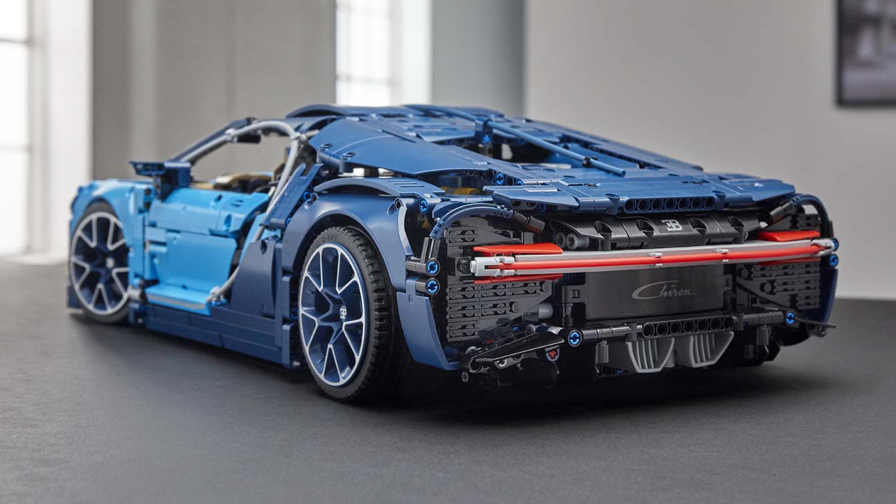 the new lego technic bugatti chiron has 3 599 pieces top. Black Bedroom Furniture Sets. Home Design Ideas