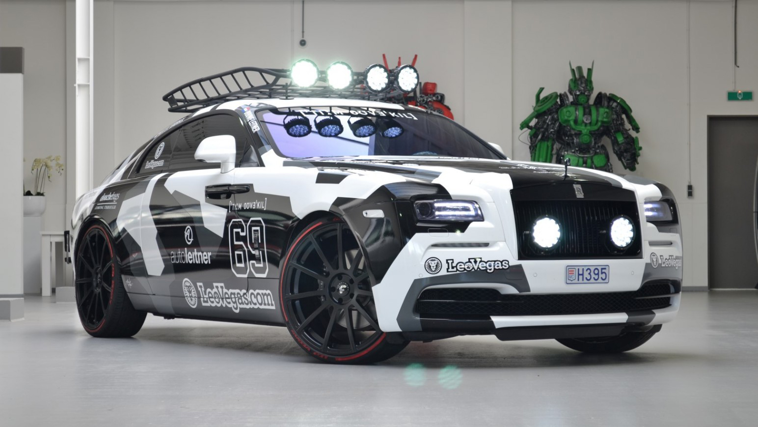 jon olsson 39 s modified 810bhp rolls royce wraith is up for sale top gear. Black Bedroom Furniture Sets. Home Design Ideas