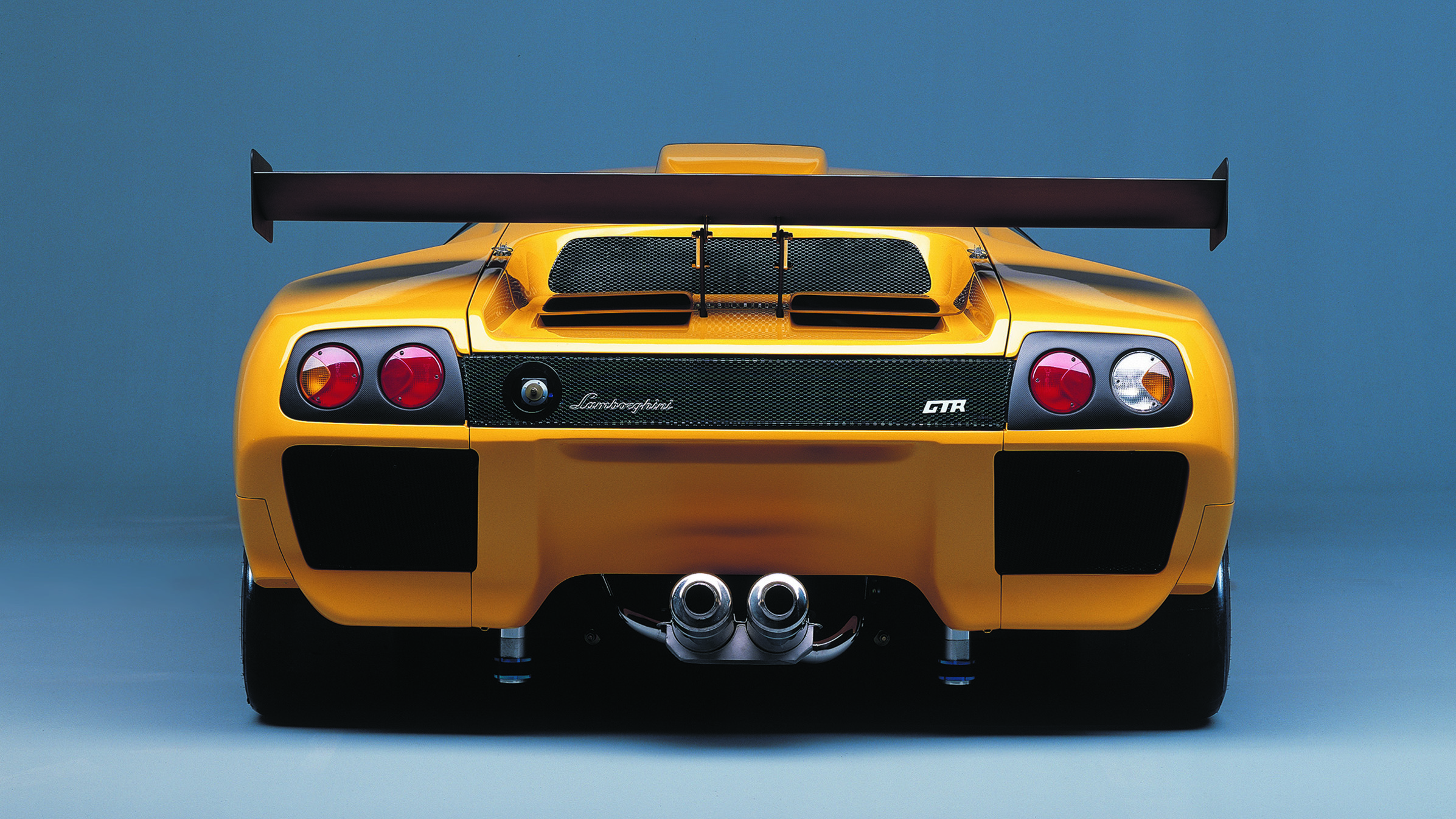 Lamborghini Diablo yellow rear