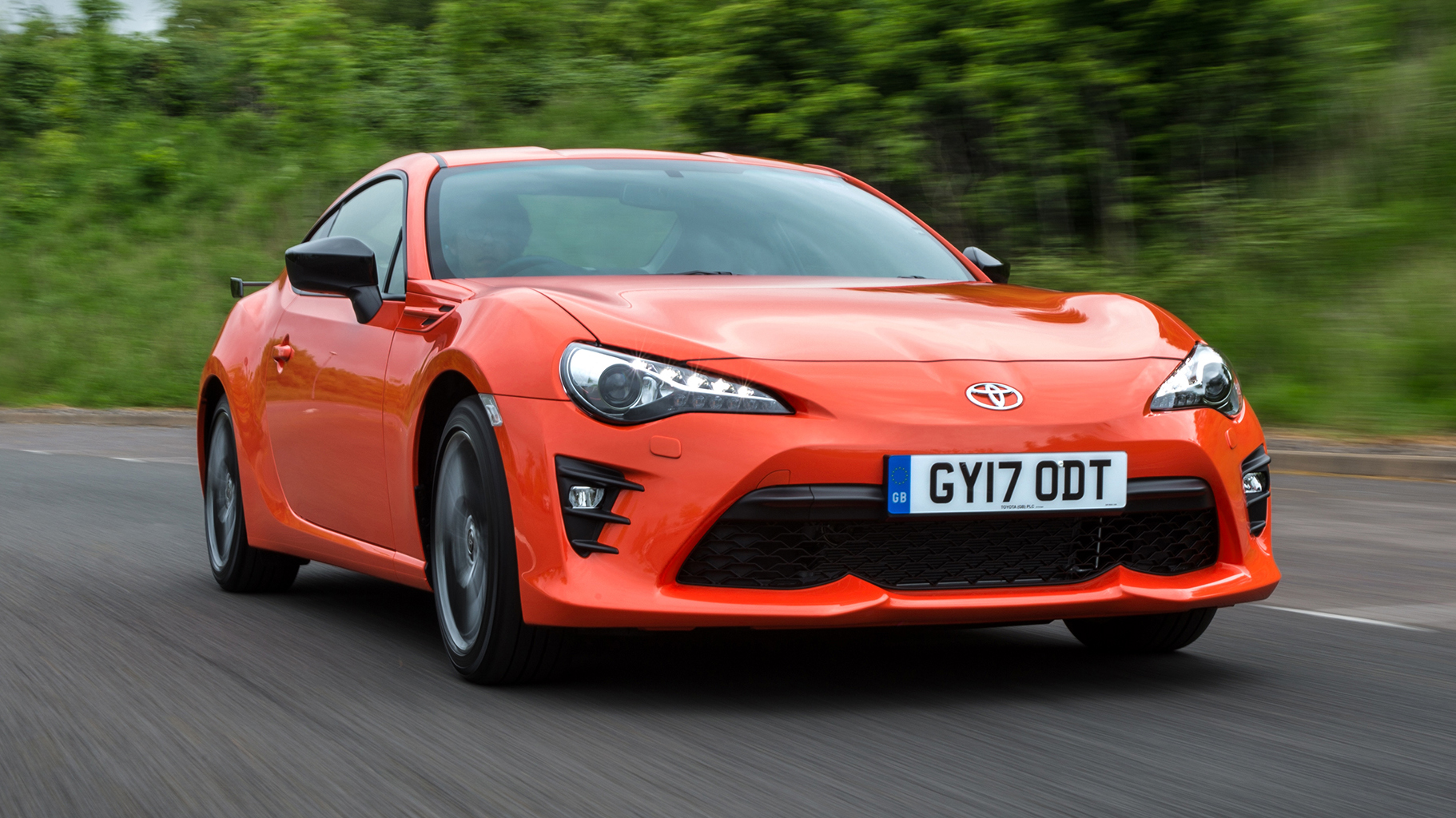 Toyota GT86 Orange Edition front