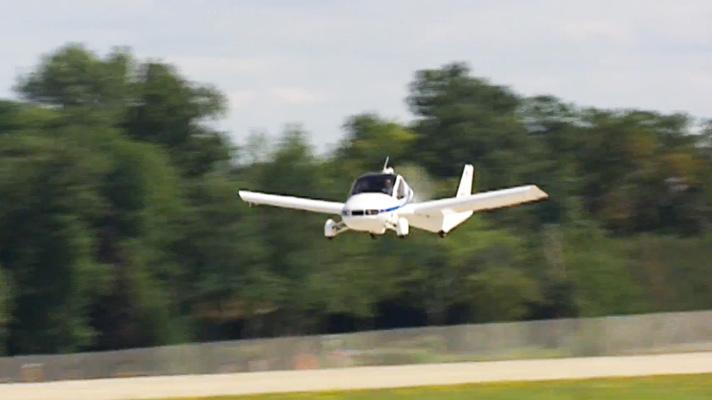 Video: Terrafugia car plane flies